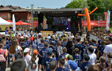 """Youth Sports Games officially opened in Jajce with a concert of """"Crvena Jabuka"""" band"""